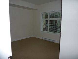 "Photo 10: 202 12070 227 Street in Maple Ridge: East Central Condo for sale in ""STATION ONE"" : MLS®# R2120947"