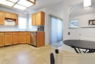 """Photo 7: 8784 212 Street in Langley: Walnut Grove House for sale in """"Forest Hills"""" : MLS®# R2185000"""