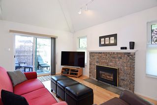 """Photo 10: 8784 212 Street in Langley: Walnut Grove House for sale in """"Forest Hills"""" : MLS®# R2185000"""