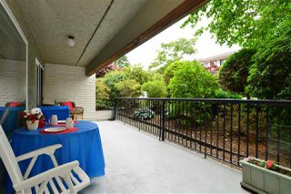 """Photo 16: 106 1351 MARTIN Street: White Rock Condo for sale in """"The Dogwood"""" (South Surrey White Rock)  : MLS®# R2186058"""