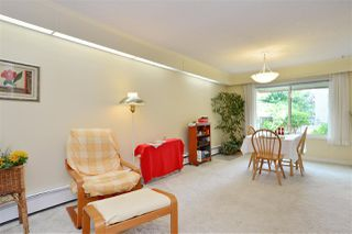 """Photo 8: 106 1351 MARTIN Street: White Rock Condo for sale in """"The Dogwood"""" (South Surrey White Rock)  : MLS®# R2186058"""