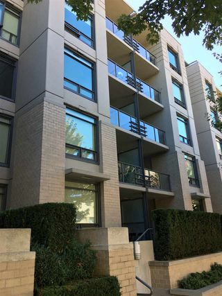 "Photo 1: 311 750 W 12TH Avenue in Vancouver: Fairview VW Condo for sale in ""TAPESTRY"" (Vancouver West)  : MLS®# R2201307"