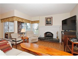 Photo 4: 302 1390 MARTIN Street in South Surrey White Rock: Home for sale : MLS®# F1427952