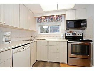 Photo 2: 302 1390 MARTIN Street in South Surrey White Rock: Home for sale : MLS®# F1427952