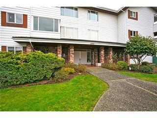 Photo 1: 302 1390 MARTIN Street in South Surrey White Rock: Home for sale : MLS®# F1427952