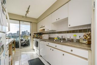 "Photo 7: 401 888 HAMILTON Street in Vancouver: Downtown VW Condo for sale in ""ROSEDALE GARDEN"" (Vancouver West)  : MLS®# R2215482"