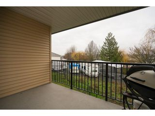 """Photo 2: 20 7428 EVANS Road in Sardis: Sardis West Vedder Rd Townhouse for sale in """"COUNTRYSIDE ESTATES"""" : MLS®# R2224939"""
