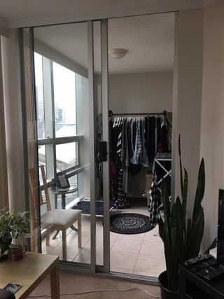 """Photo 12: 1105 1050 BURRARD Street in Vancouver: Downtown VW Condo for sale in """"The Residence At Wall Center"""" (Vancouver West)  : MLS®# R2229947"""