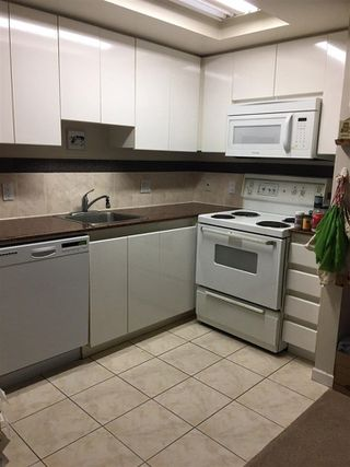 """Photo 14: 1105 1050 BURRARD Street in Vancouver: Downtown VW Condo for sale in """"The Residence At Wall Center"""" (Vancouver West)  : MLS®# R2229947"""