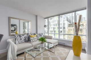 """Photo 4: 405 1088 RICHARDS Street in Vancouver: Yaletown Condo for sale in """"RICHARDS LIVING"""" (Vancouver West)  : MLS®# R2261432"""