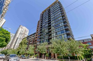 """Photo 1: 405 1088 RICHARDS Street in Vancouver: Yaletown Condo for sale in """"RICHARDS LIVING"""" (Vancouver West)  : MLS®# R2261432"""