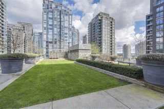 """Photo 16: 405 1088 RICHARDS Street in Vancouver: Yaletown Condo for sale in """"RICHARDS LIVING"""" (Vancouver West)  : MLS®# R2261432"""