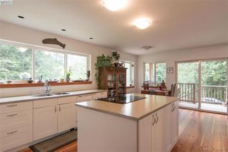 Photo 2: 166 Menhinick Dr in SALT SPRING ISLAND: GI Salt Spring House for sale (Gulf Islands)  : MLS®# 789975