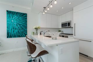 "Photo 10: 1206 199 VICTORY SHIP Way in North Vancouver: Lower Lonsdale Condo for sale in ""TROPHY AT THE PIER"" : MLS®# R2284948"