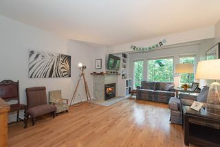 """Photo 3: 9466 SNOWBERRY Court in Burnaby: Forest Hills BN Townhouse for sale in """"SNOWBERRY COURT"""" (Burnaby North)  : MLS®# R2317860"""