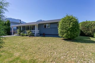 Main Photo: 2155 PARKWAY Road in Squamish: Garibaldi Estates House for sale : MLS®# R2325477