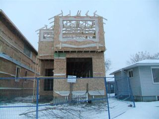Photo 2: 15924 100 Avenue in Edmonton: Zone 22 House for sale : MLS®# E4138942