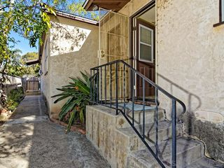 Photo 13: PACIFIC BEACH Condo for rent : 2 bedrooms : 1853 1/2 Chalcedony in San Diego