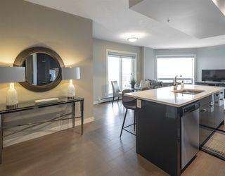 Photo 4: 2704 10410 102 Avenue in Edmonton: Zone 12 Condo for sale : MLS®# E4145941
