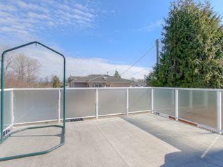 "Photo 14: 4008 KINCAID Street in Burnaby: Burnaby Hospital House 1/2 Duplex for sale in ""BURNABY HOSPITAL"" (Burnaby South)  : MLS®# R2346188"