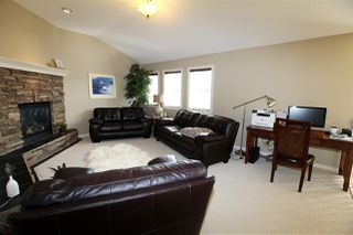 Photo 14: 4018 Macttaggart Drive NW in Edmonton: Zone 14 House for sale : MLS®# E4147101