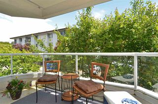 "Photo 20: 104 1378 GEORGE Street: White Rock Condo for sale in ""FRANKLIN PLACE"" (South Surrey White Rock)  : MLS®# R2371327"