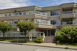 "Photo 1: 104 1378 GEORGE Street: White Rock Condo for sale in ""FRANKLIN PLACE"" (South Surrey White Rock)  : MLS®# R2371327"