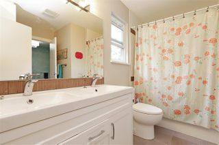 """Photo 12: 61 1930 CEDAR VILLAGE Crescent in North Vancouver: Westlynn Townhouse for sale in """"Mountain Estates"""" : MLS®# R2375231"""