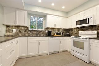 """Photo 2: 61 1930 CEDAR VILLAGE Crescent in North Vancouver: Westlynn Townhouse for sale in """"Mountain Estates"""" : MLS®# R2375231"""