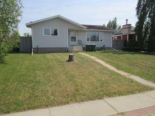 Photo 1: 43 Duke Drive: Lamont House for sale : MLS®# E4163369