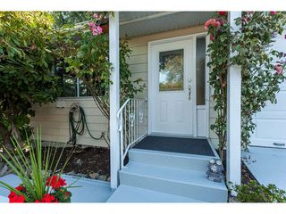 """Photo 2: 24 3292 ELMWOOD Drive in Abbotsford: Central Abbotsford Townhouse for sale in """"Sequestra Estates"""" : MLS®# R2396879"""