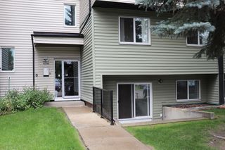 Photo 1: #4 13456 Fort Rd in Edmonton: Condo for sale