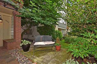 "Photo 3: 106 1940 BARCLAY Street in Vancouver: West End VW Condo for sale in ""BOURBON COURT"" (Vancouver West)  : MLS®# R2403733"