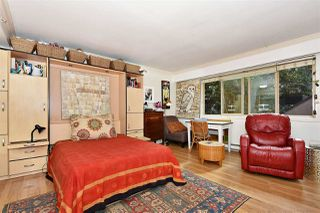 """Photo 5: 106 1940 BARCLAY Street in Vancouver: West End VW Condo for sale in """"BOURBON COURT"""" (Vancouver West)  : MLS®# R2403733"""