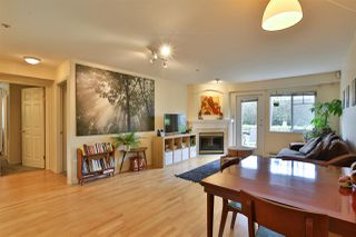 """Photo 3: 2416 E 8TH Avenue in Vancouver: Renfrew VE Townhouse for sale in """"8th Avenue Garden Apartments"""" (Vancouver East)  : MLS®# R2447479"""