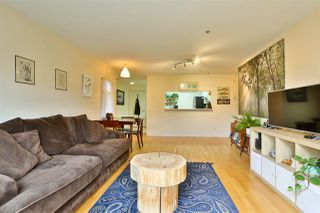 """Photo 8: 2416 E 8TH Avenue in Vancouver: Renfrew VE Townhouse for sale in """"8th Avenue Garden Apartments"""" (Vancouver East)  : MLS®# R2447479"""