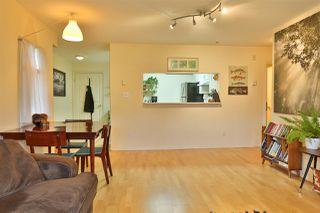 """Photo 9: 2416 E 8TH Avenue in Vancouver: Renfrew VE Townhouse for sale in """"8th Avenue Garden Apartments"""" (Vancouver East)  : MLS®# R2447479"""