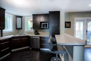 Photo 8: 305 Beaverbrook Street in Winnipeg: Single Family Detached for sale (1C)  : MLS®# 202015362