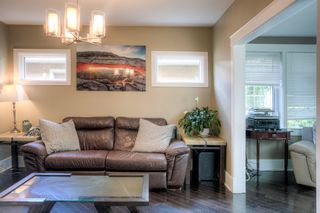 Photo 4: 305 Beaverbrook Street in Winnipeg: Single Family Detached for sale (1C)  : MLS®# 202015362