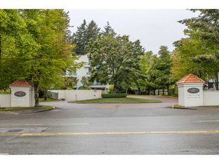 """Main Photo: 204 1725 MARTIN Drive in Surrey: Sunnyside Park Surrey Condo for sale in """"SOUTHWYND"""" (South Surrey White Rock)  : MLS®# R2471785"""