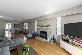 Photo 3: 5595 GLADSTONE Street in Vancouver: Victoria VE House for sale (Vancouver East)  : MLS®# R2484714