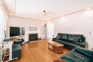 Photo 5: 1714 TENTH Avenue in New Westminster: West End NW House for sale : MLS®# R2498348