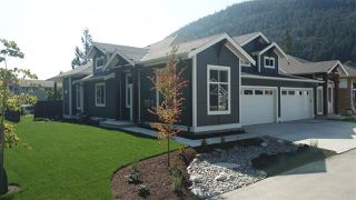 "Main Photo: 24 628 MCCOMBS Drive: Harrison Hot Springs 1/2 Duplex for sale in ""EMERSON COVE"" : MLS®# R2507204"