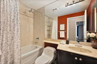 Photo 13: 80 Absolute Ave Unit #2708 in Mississauga: City Centre Condo for sale : MLS®# W5001691