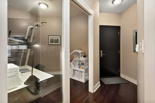 Photo 15: 80 Absolute Ave Unit #2708 in Mississauga: City Centre Condo for sale : MLS®# W5001691