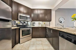 Photo 6: 80 Absolute Ave Unit #2708 in Mississauga: City Centre Condo for sale : MLS®# W5001691