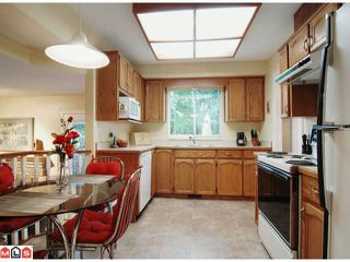 """Photo 4: 21368 85B Avenue in Langley: Walnut Grove House for sale in """"Forest Hills"""" : MLS®# F1123454"""