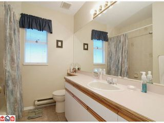 """Photo 7: 21368 85B Avenue in Langley: Walnut Grove House for sale in """"Forest Hills"""" : MLS®# F1123454"""