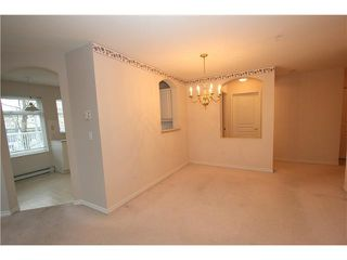 Photo 3: 104 4770 52A Street in Ladner: Delta Manor Condo for sale : MLS®# V982183