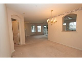 Photo 8: 104 4770 52A Street in Ladner: Delta Manor Condo for sale : MLS®# V982183